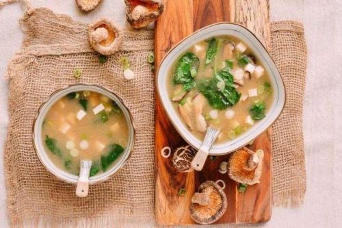 脱水香菇粒与日本味增汤
